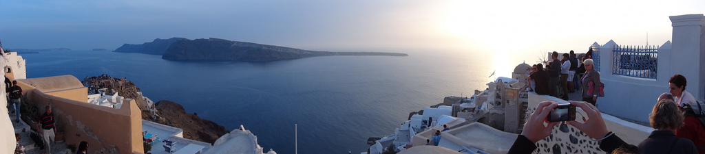 Waiting for our last Greek sunset - together with many other tourists.